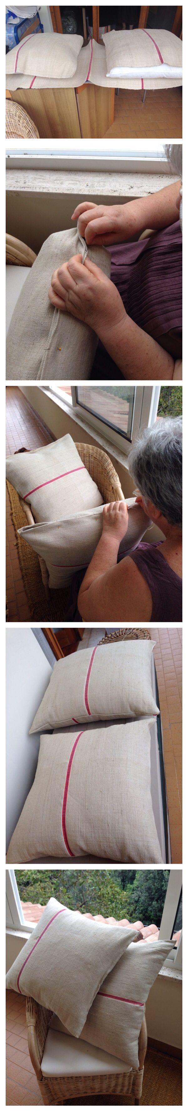 Fodera per cuscini con tela di iuta comprata ad un mercatino dell'usato.