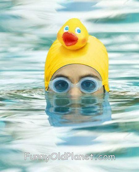 un bonnet de bain qui a le mérite de ne pas ressembler aux autres