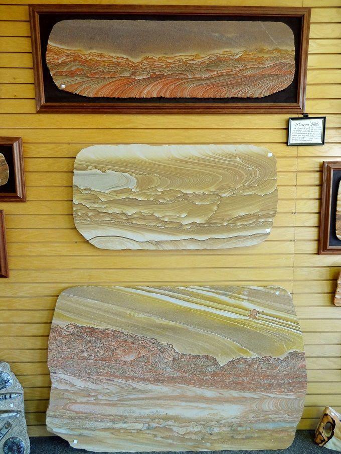 米国ユタ州カナブの「ウエスタンヒルズ・ロック&ジェムズ」にて。Western Hills Rock & Gems in kanab, Utah, USA.