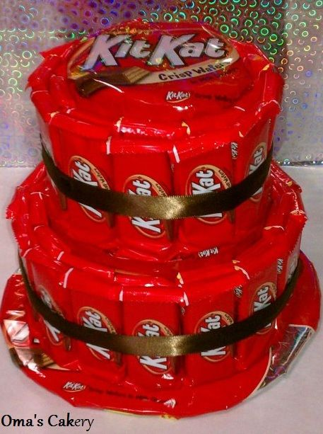 Kit Kat Candy Cake from Oma's Cakery | Candy centerpiece ...