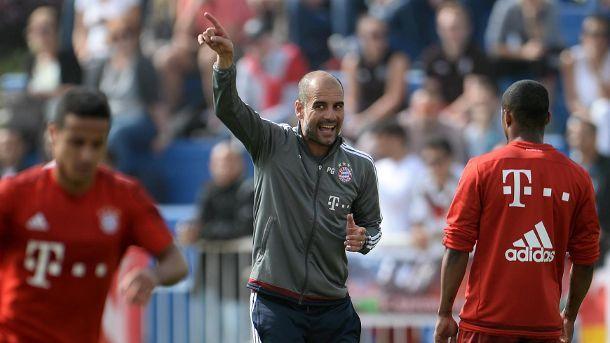 Pep Guardiola sprüht im Trainingslager des FC Bayern vor Energie.  (Quelle: dpa)