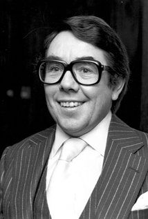 Ronnie Corbett, 85, British comedian (The Two Ronnies, The Frost Report) and actor (Casino Royale)