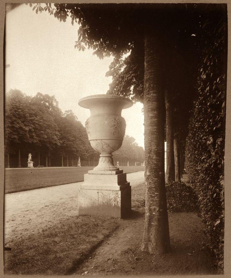 Rue de Viarmes coté de la rue Vannes (1e), 1907 © Eugene Atget