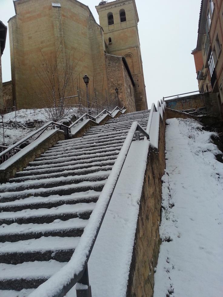 Nevada del día 11 de febrero de 2013 en Segovia. Bajada a C/ Soldado español.