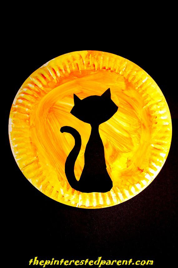 Paper Plate Bats Silhouette - Halloween Kid's Crafts