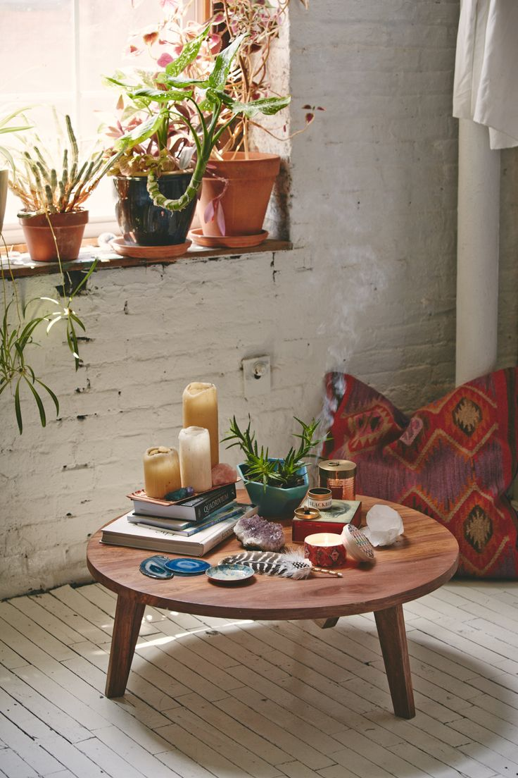 """urbanoutfitters:""""Our apartment is totally ready to soak up some good vibes"""" #InteriorDesign"""
