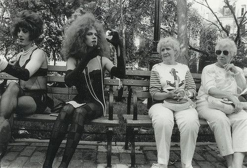 Drag queens and grannies - diane arbus