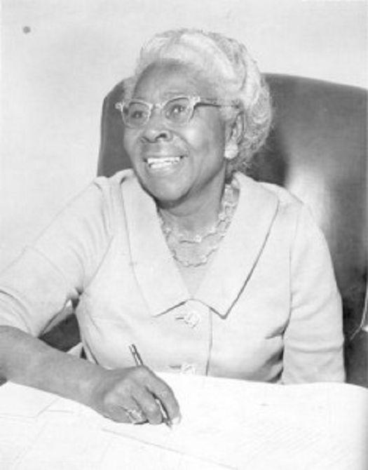 Ellen Walker Craig-Jones: First Black Woman Elected Mayor of a Municipality in the United States - https://blackthen.com/ellen-walker-craig-jones-first-black-woman-elected-mayor-municipality-united-states/?utm_source=PN&utm_medium=BT+Pinterest&utm_campaign=SNAP%2Bfrom%2BBlack+Then