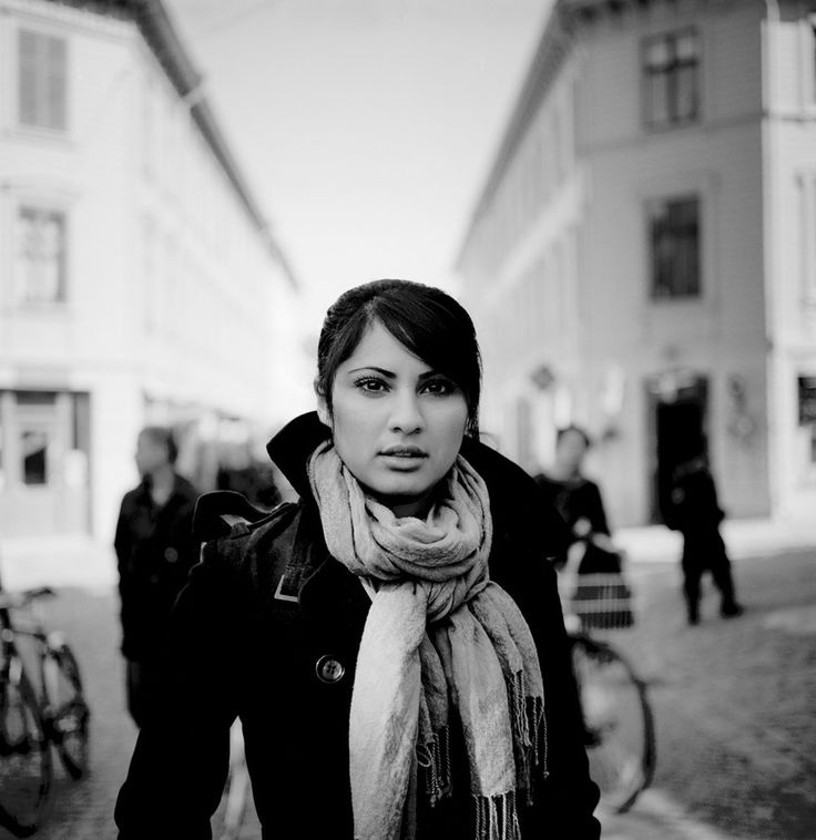 Porträtt kvinna utomhus uniquetalents.se