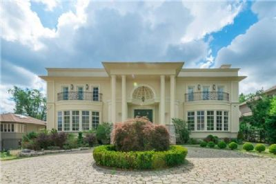 Stately, Majestic And Elegance Custom Build Mansion On Spectacular 100 X 300 Lot Situated In The Prestigious Oakbank Pond And Thornhill Country Club Neighborhood. - See more at: http://www.superrealtyseller.ca/idx/N3285095/Vaughan/12-thornbank-rd.html#sthash.JX7OvkIX.dpuf
