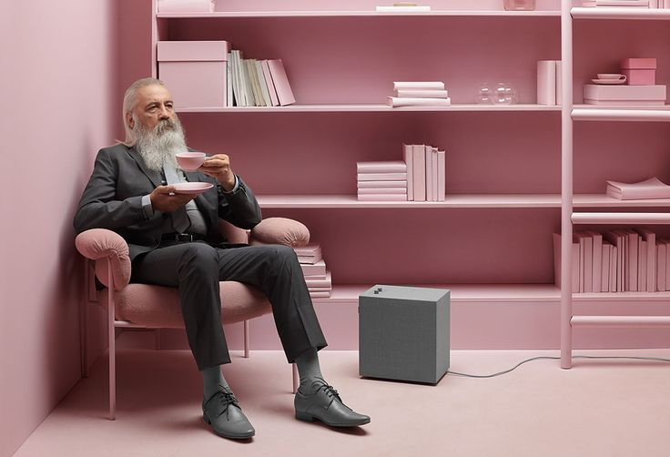 Baggen, the new multiroom-speaker by Urbanears fits perfectly into stylish living rooms. Read more under: http://www.milan-magazine.de/urbanears-multiroom-lautsprecher/  #urbanears #connectedspeakers #stammen #baggen #multiroom #spotify #airplay #chromecast #wifi #bluetooth #wireless #speakers #bluetoothspeaker #wirelessspeaker #stereo #highendaudio #hifiaudio #minimalism #minimal #productdesign #design #deco #scandinaviandesign #music #musiclover #musicaddict