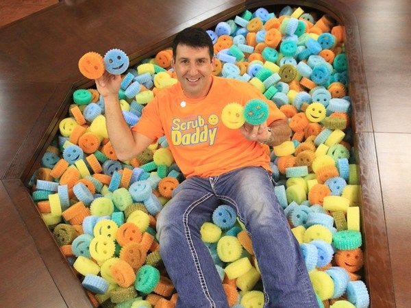 Add Shine to Your Summertime and Get Kids & Dad's Cleaning With Scrub Daddy {review}