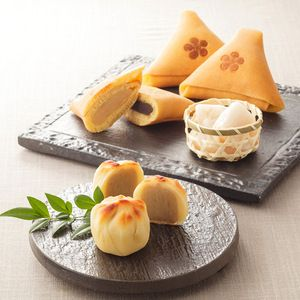 Chestnut and Lotus Root Japanese Sweets 金城巻、栗の里、加賀れんこん餅をセットに。【加賀三彩】