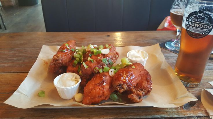 Brewdog spicy wings with blue cheese dip (5312 x 2988)