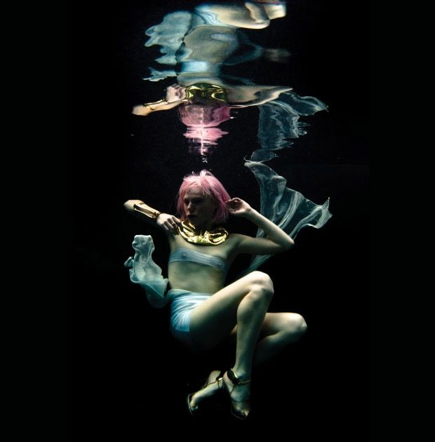 """""""The Fifth Element"""" inspired underwater photoshoot"""
