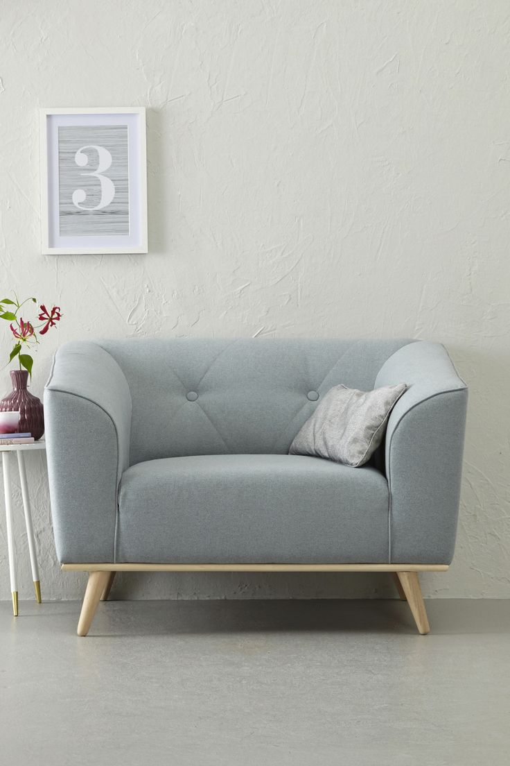 Best 25 Loveseats ideas on Pinterest Reading chairs Comfy