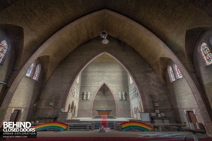 rainbow-church-netherlands