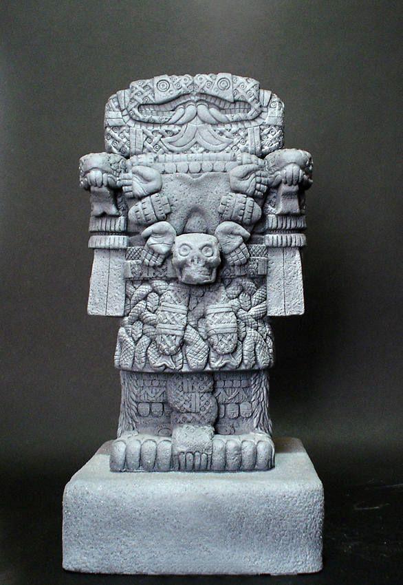 La Coatlicue Diosa Madre Azteca Escultura . Figura De Colección. de YBcreatures en Etsy