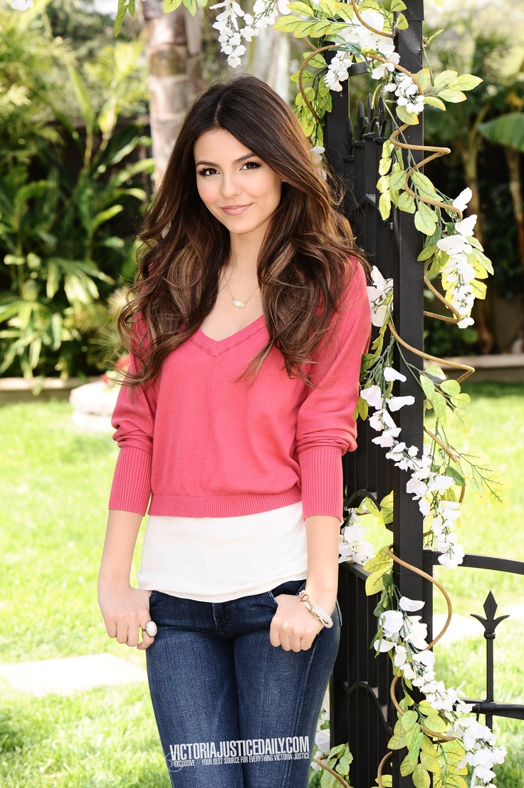 Victoria Justice. Her hair>>>>>