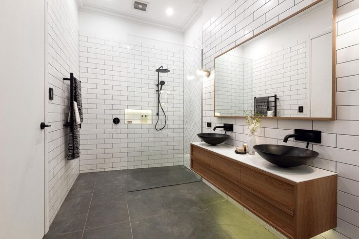 Dan & Carleen Week 1 Challenge Apartment | Main Bathroom