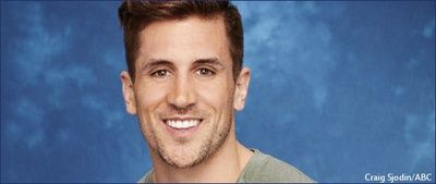 """Jordan Rodgers and Aaron Rodgers disagreement reportedly led to """"blow up"""" estrangement """"has been hard"""" for Jordan Jordan Rodgers and NFL star Aaron Rodgers reportedly had a fight that led to Aaron's estrangement from the entire family but now Jordan just wants his older brother back. #TheBachelorette #JoJoFletcher #JordanRodgers #AaronRodgers @TheBachelorette"""