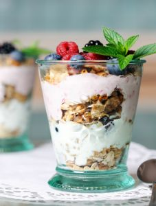 Skinny-Berry-Parfait.  A sugar free dessert from #SkinnyMs