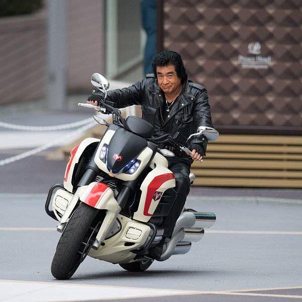 ex 1 c 栄光のライダーマシン図鑑 おしゃれまとめの人気アイデア pinterest stephen dollahan ガールズバイカー 芸能人 バイク ライダー