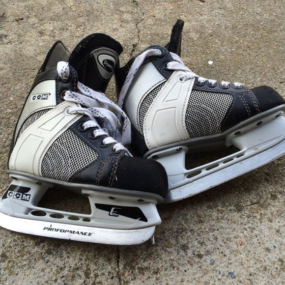 Toddler size 9 hockey ice skates EUC toddler ice hockey skates. My son wore them once.  Ice skating is not for him.   CCM Shoes Athletic Shoes