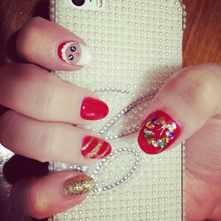 Christmas nails!! Featuring Santa Clause and a wreath :)