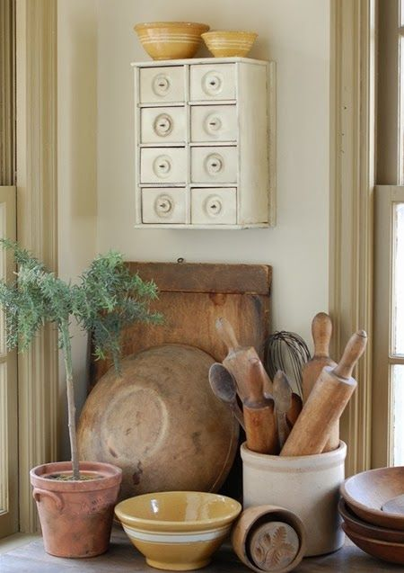 Subtle Seasonal Decorating - Emily A. Clark