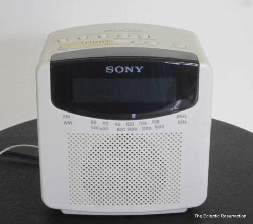 vintage sony digicube am fm clock radio dual alarm model no icf c150 ebay vintage mid. Black Bedroom Furniture Sets. Home Design Ideas