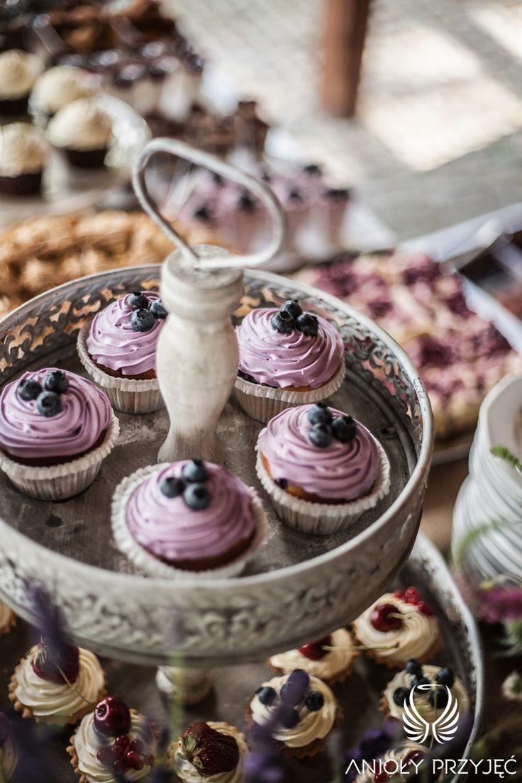 15. Lavender Wedding,Sweet table / Wesele lawendowe,Słodki stół,Anioły Przyjęć