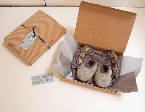 Complementos y prendas hechas a mano en lana y crochet, ropa de bebé y niño, venta de lanas 100% naturales, lanas ecológicas, alpaca, merino, cursos tricot