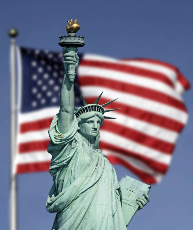 USA - New York, Statue of Liberty I cannot wait to take the girls here! It will be amazing to experience it with them!