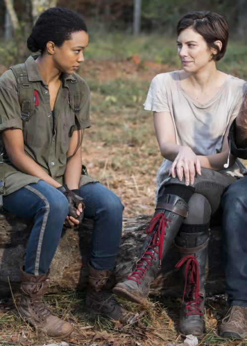 Sonequa Martin-Green and Lauren Cohan behind the scenes of The Walking Dead Season 7 Episode 16 | The First Day of the Rest of Your Life