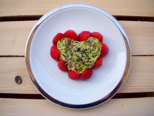 VALENTINE'S DINNER: SPROUTS & STRAWBERRY SALAD WITH CHAMPAGNE VINAIGRETTE