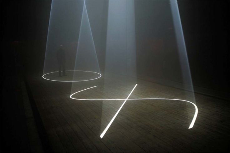 New York–based artist Anthony McCall (England, 1946) has always had a real passion for passion and interest in film and performance. This passion declares