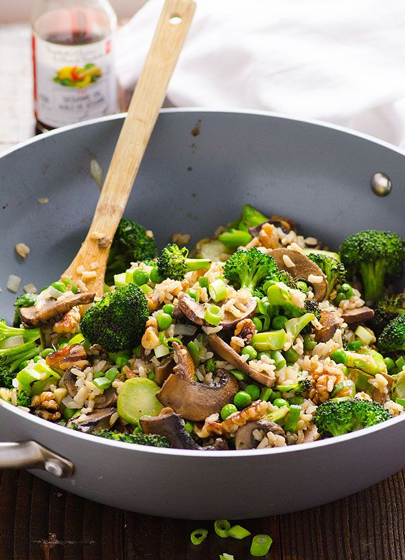 Clean Eating Portobello Mushrooms and Broccoli Stir Fry -- Vegan stir fry in under 30 minutes. Gluten free and kid friendly (remove those onions).