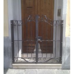 Wrought Iron Pedestrian Gate. Customize Realisations. 048