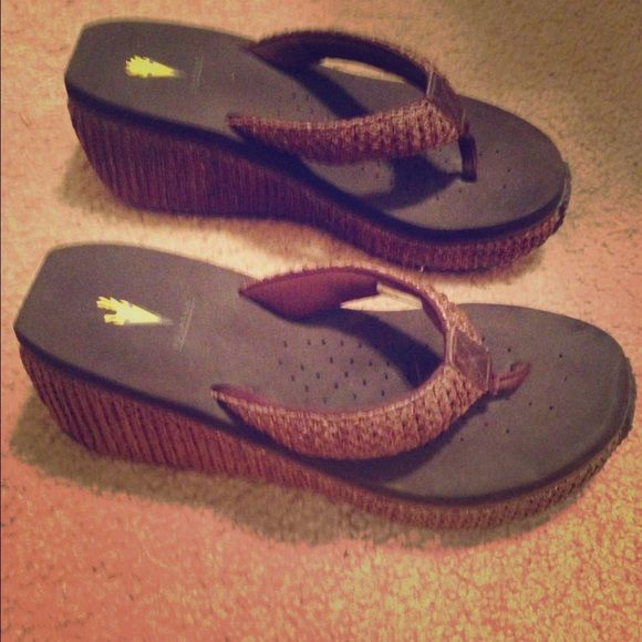 Volatile flip flops size 10 Volatile flip flops size 10 in brown. Great condition! Volatile Shoes