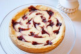 Hämmentäjä: Marjainen valkosuklaajuustokakku, ystävänpäiväkakku White cocolate cheesecake, valentine's day, ystävänpäivä, sydän, heart