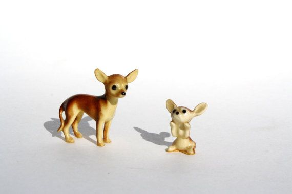 Chihuahua Figurines / Chihuahua Miniature / Dog by Globalfindings