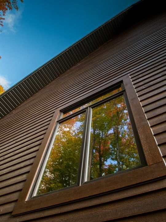 rev tement ext rieur en bois hybride 2 tons mod le clin en pinette choisie pour un style. Black Bedroom Furniture Sets. Home Design Ideas