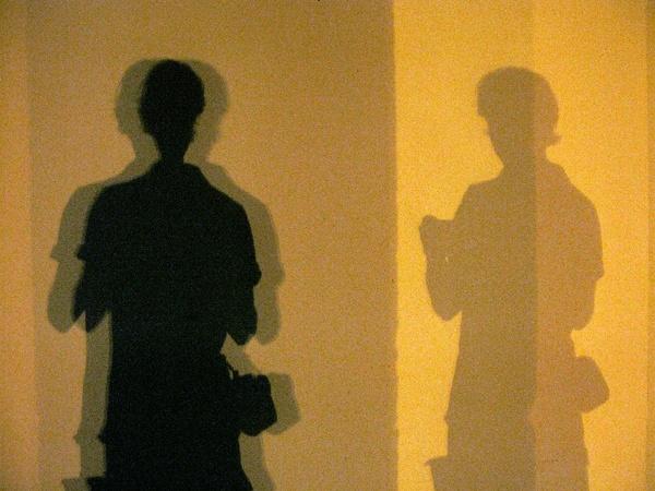 me #shadow #light #yellow #photo #tommymorosetti