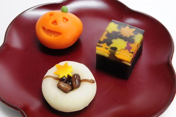 桔梗信玄餅 10月の上生菓子~神無月~