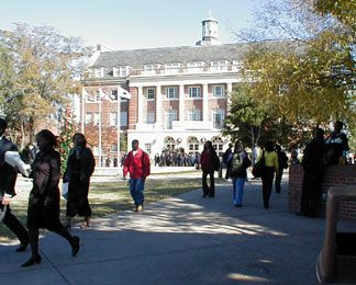 Florida Agricultural and Mechanical University campus http://www.payscale.com/research/US/School=Florida_Agricultural_and_Mechanical_(A)_University_(FAMU)/Salary