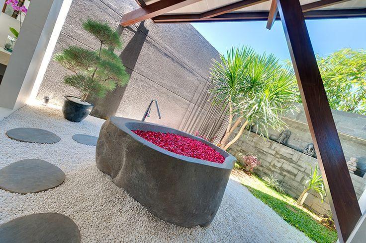Stunning Outdoor Bathrooms at The Layar Designer Villas and Spa.