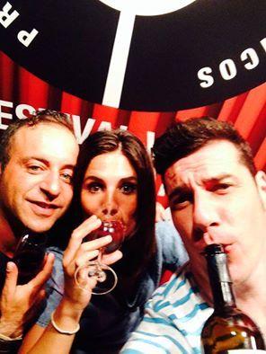 Canciones y juventud en el Festival Vino Somontano de Barbastro 2014. Bodegas Obergo publica otra de sus selfies.