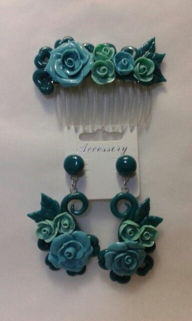 Pettinino e orecchini realizzati in porcellana fredda