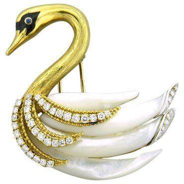 Boucheron Exquisite Pearl Sapphire Diamond 18k Gold Swan Brooch Pin